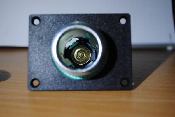 Powersteckdose mit Montageplatte